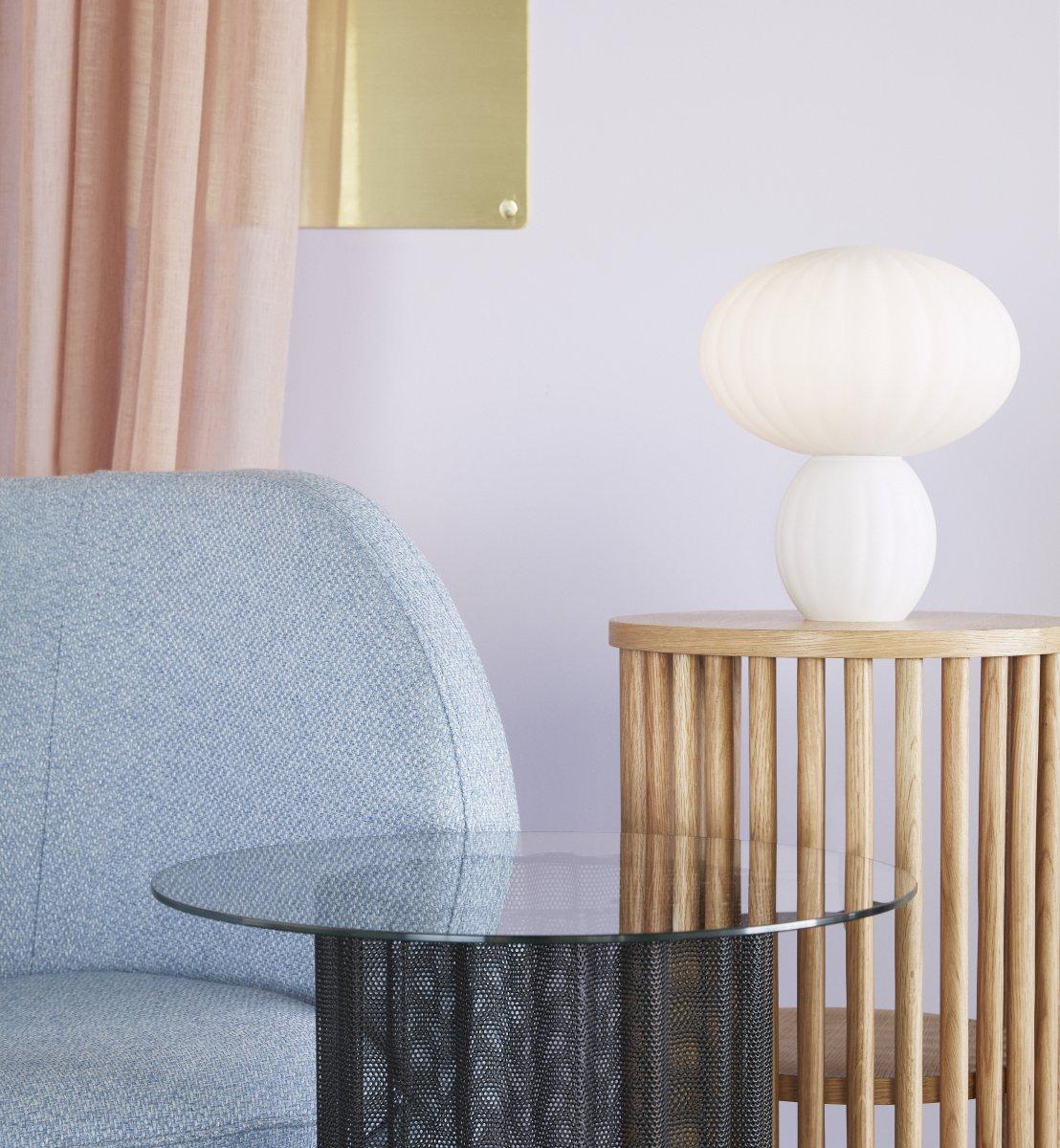 Lampe opal blanche 150€ chez Inspiration Design à Colmar