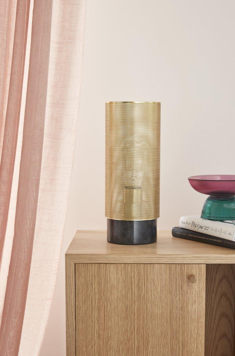 Lampe socle marbre noir + laiton ajouré 130€ chez Inspiration Design à Colmar