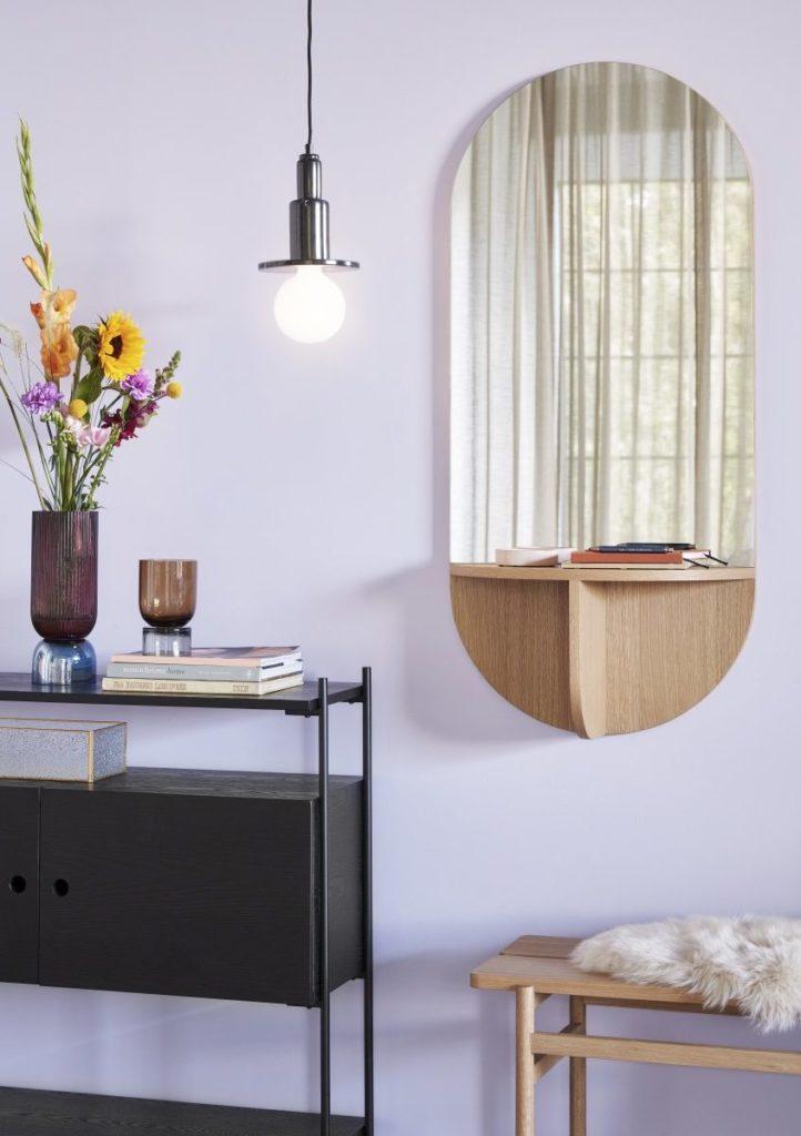 Un miroir vide-poche dans une entrée, en vente chez Inspiration Design