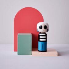 Poupée en bois Andy Warhol H14,5cm : 44€ chez Inspiration design à Colmar