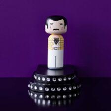 Poupée en bois Freddie Mercury H14,5cm : 44€ chez Inspiration Design à Colmar