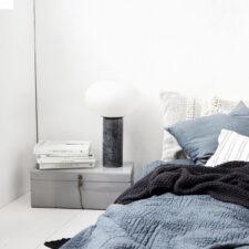 Lampe à poser globe opal H45cm Dia30cm à 190€ chez Inspiration Design à Colmar